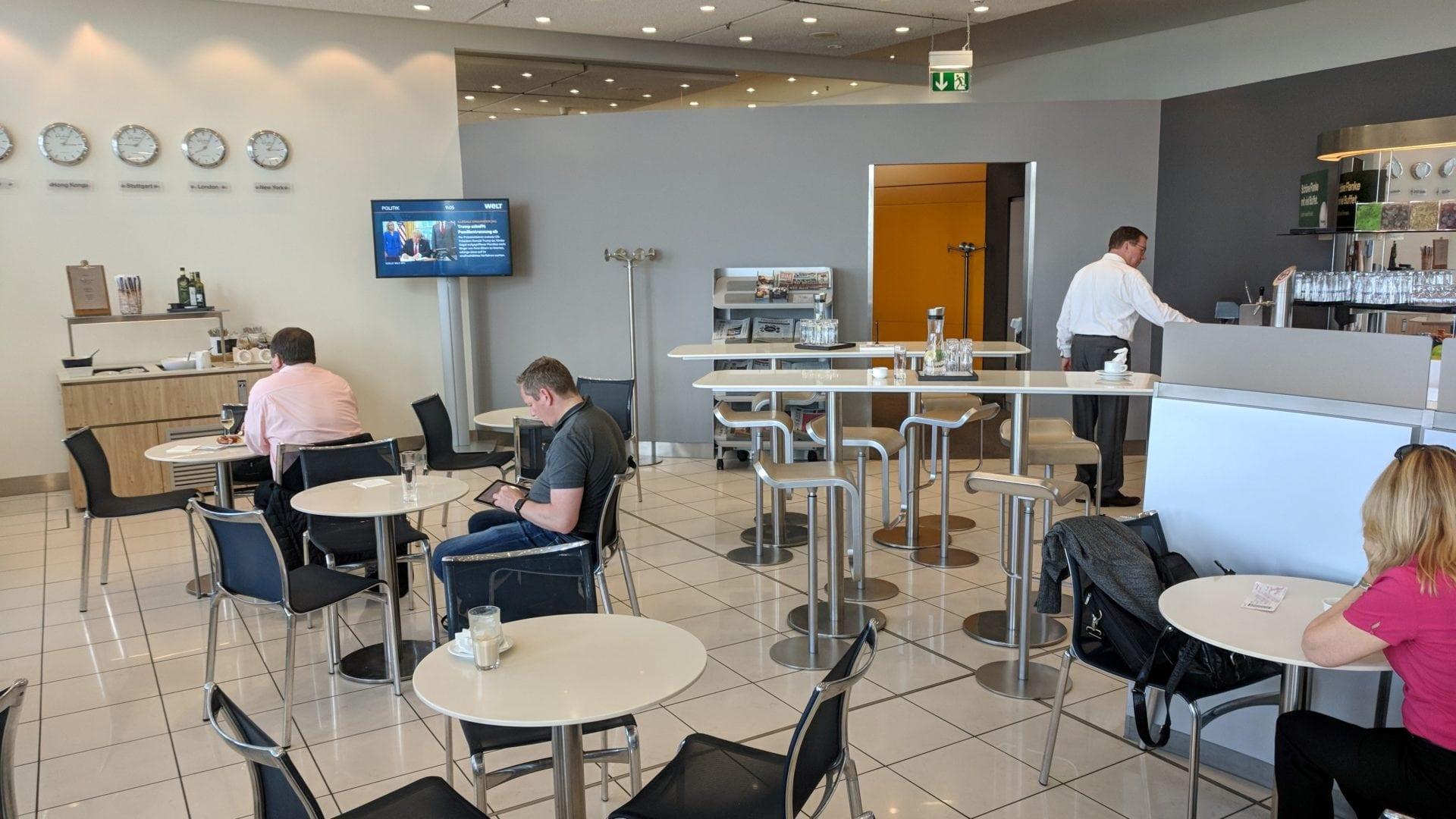 Lufthansa Business Lounge Stuttgart Sitzgelegenheiten