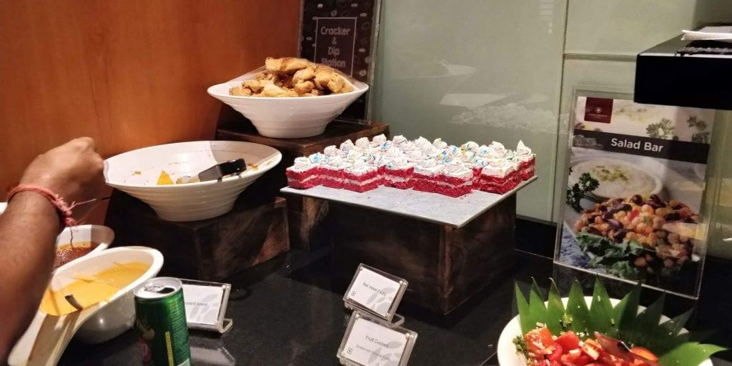 Plaza Premium Lounge Delhi Buffet Süßspeisen