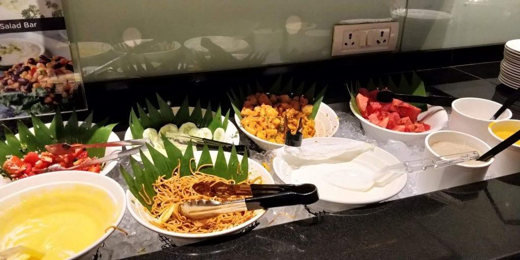 Plaza Premium Lounge Delhi Buffet Kalte Speisen
