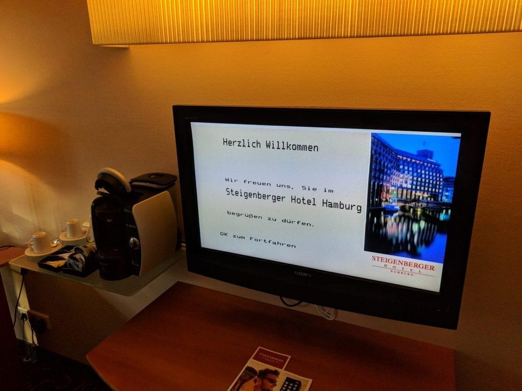 Steigenberger Hotel Hamburg Fernseher