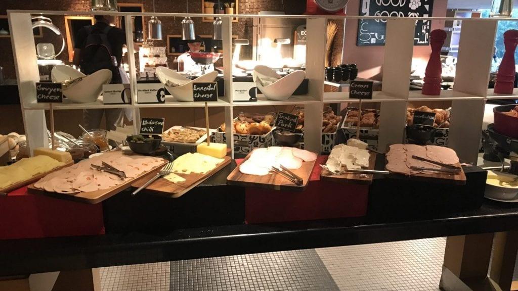 Pullmann Hotel G Bangkok Frühstück Buffet