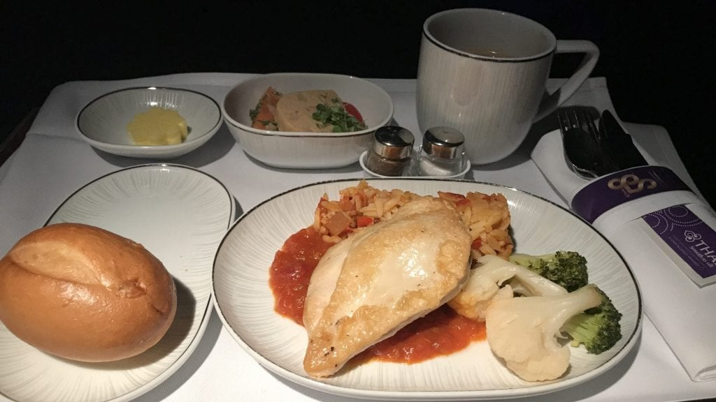 Thai Airways Business Class Boeing 777 Regional Abendessen