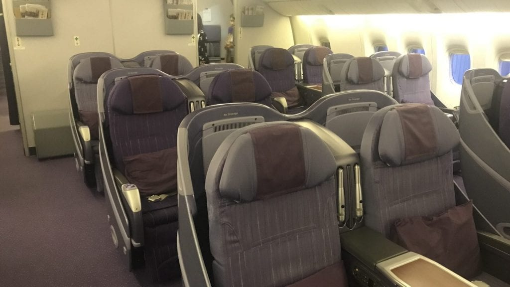 Thai Airways Business Class Boeing 777 Regional Kabine 2