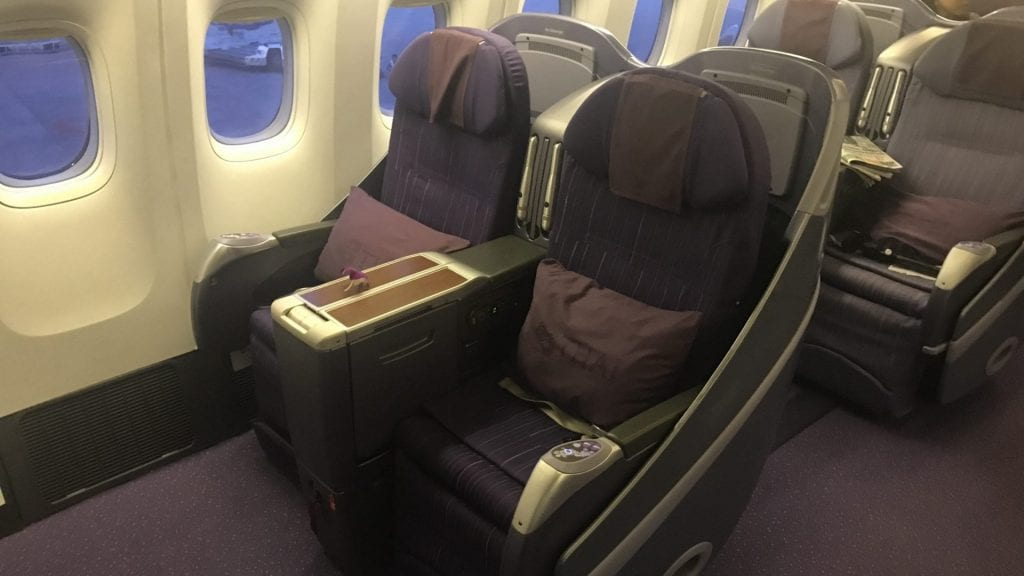 Thai Airways Business Class Boeing 777 Regional Sitz 2