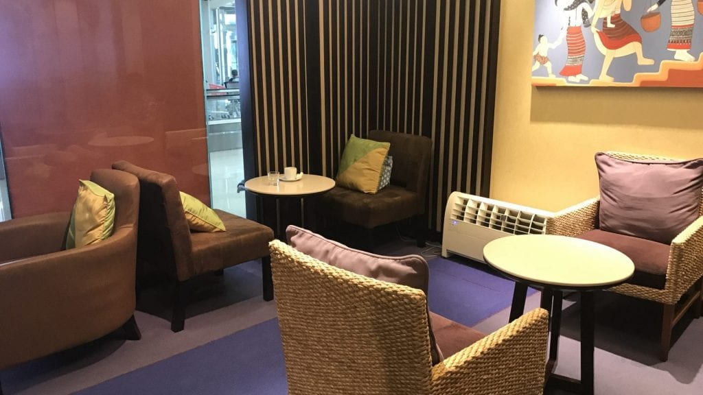 Thai Airways Royal Silk Lounge Bangkok Domestic Sitzgelegenheiten