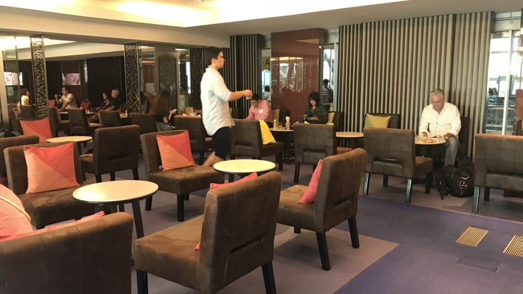Thai Roya Silk Lounge Bangkok Domestic Sitze