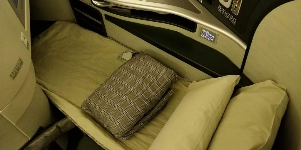 Eva Air Business Class Boeing 777 Bett 2