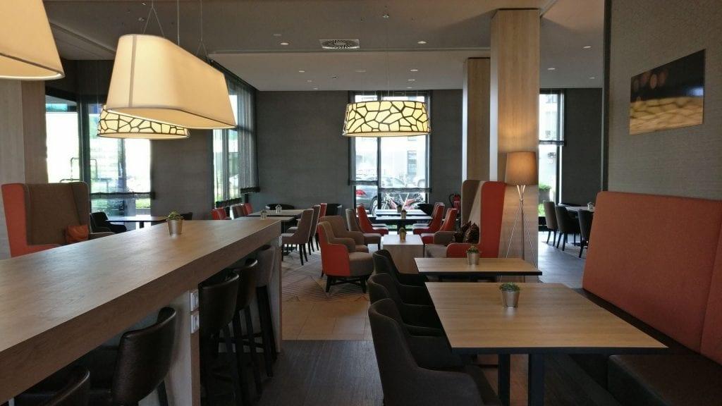 Hampton By Hilton Freiburg Lobby