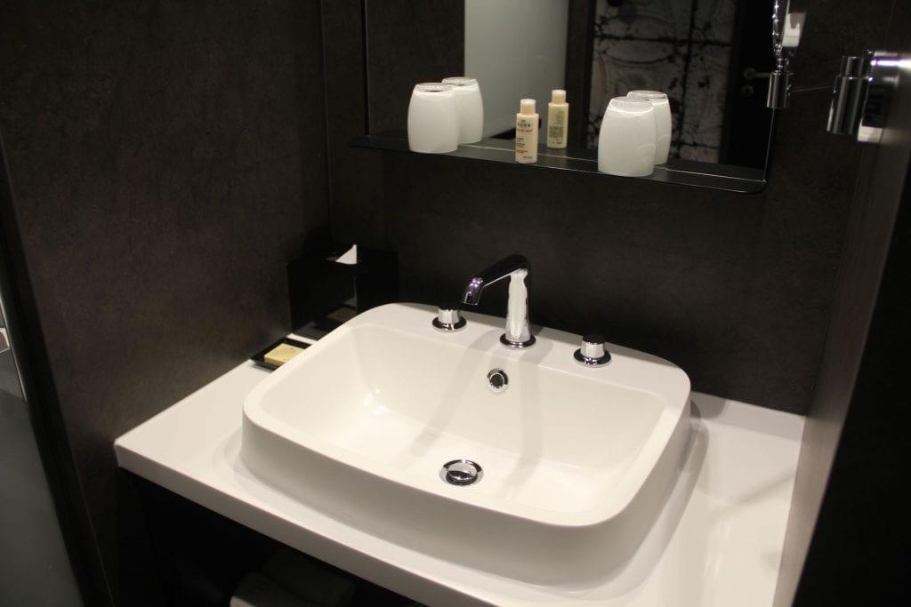Hotel Balthazar Rennes Superior Room Bad 2
