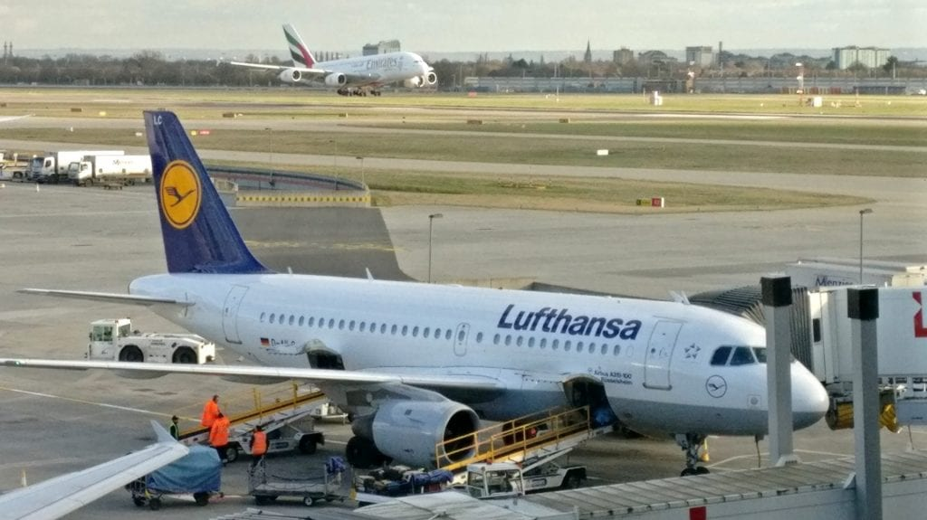 Lufthansa Airbus A319 slot gepäck landung