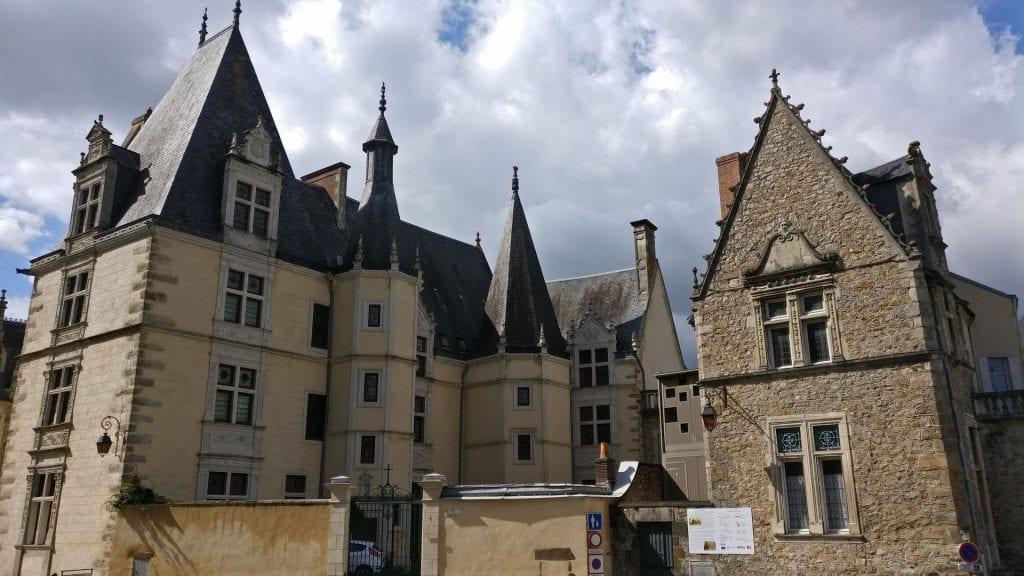 Palais Du Grabatoire Le Mans