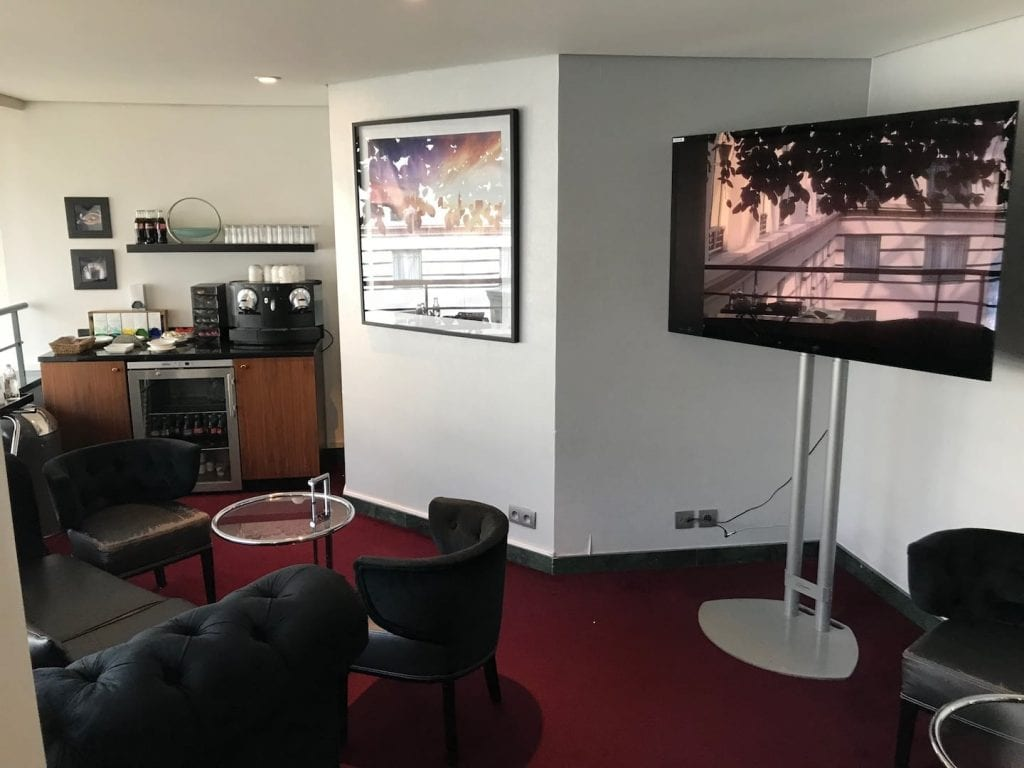 Radisson Blu Royal Bruessel Superior Zimmer Business Corner 2