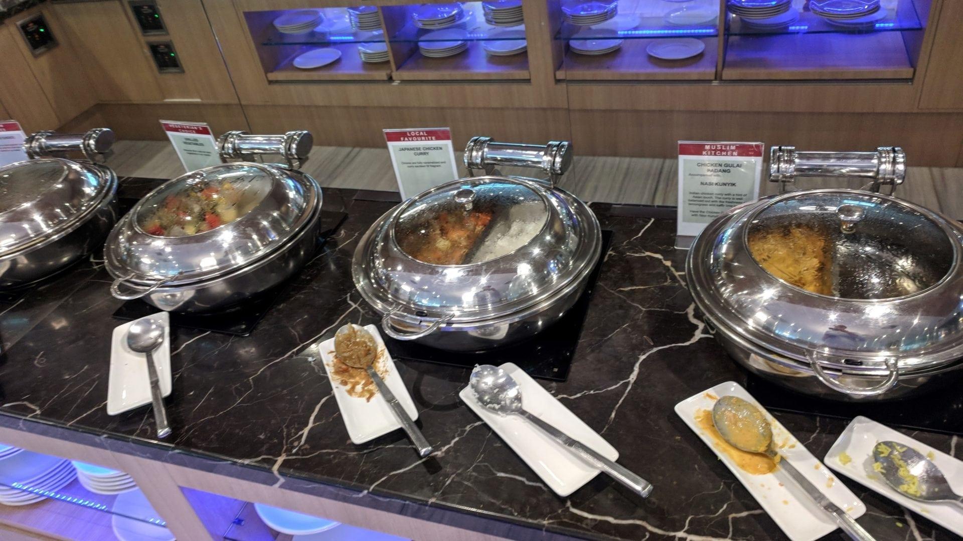 SATS Premier Lounge Singapur Büffet