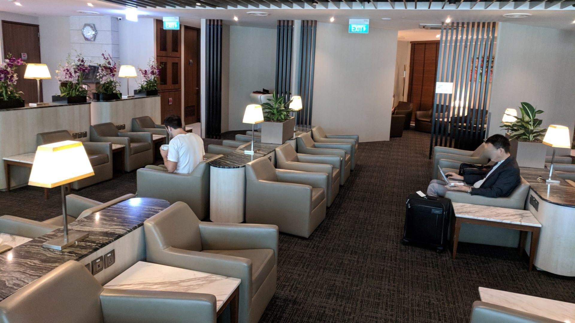 SATS Premier Lounge Singapur Sitzgelegenheiten
