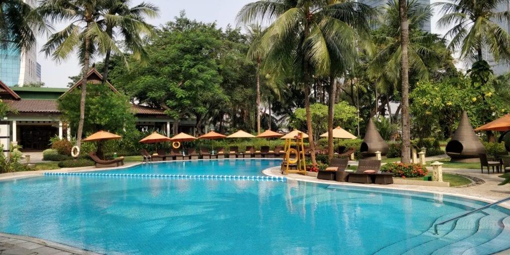 Shangri La Jakarta Pool