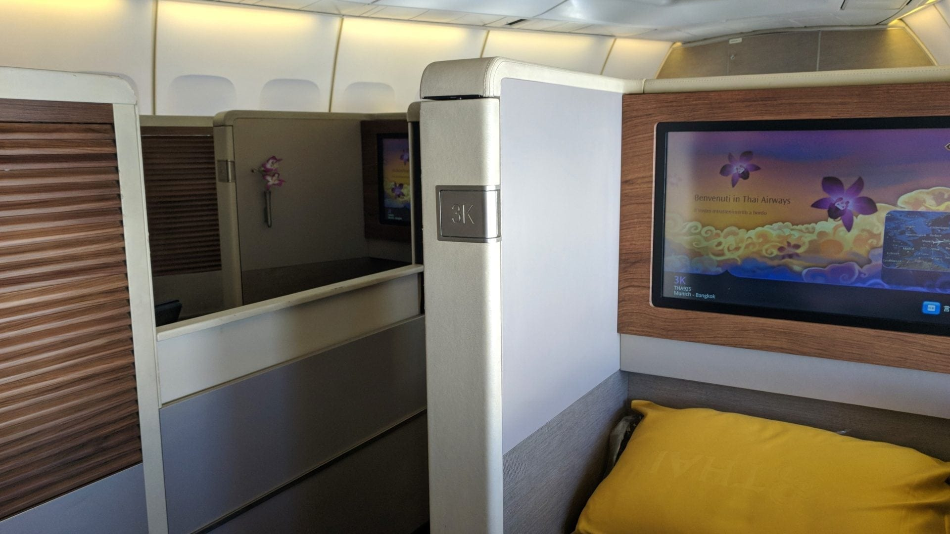 Thai First Class Boeing 747 Semi Suites