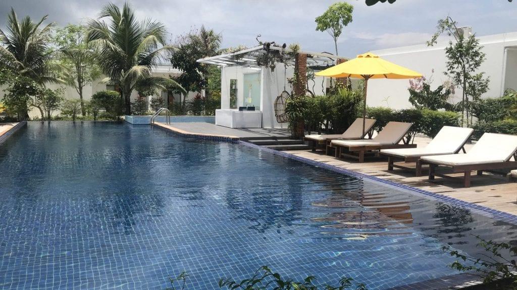 Long Set Resort Roh Rong