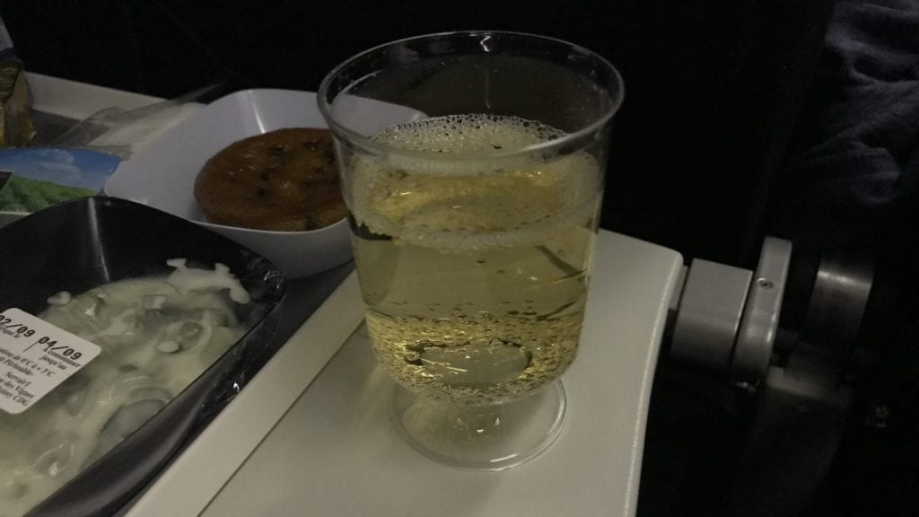 Air France Economy Class Langstrecke Champagner