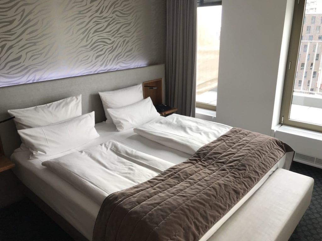 Cosmo Hotel Berlin Deluxe Zimmer 2