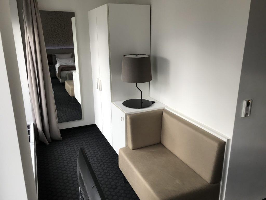 Cosmo Hotel Berlin Deluxe Zimmer 5