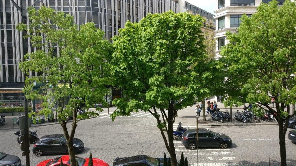 Hotel Barriere Le Fouquet Paris Junior Suite Ausblick
