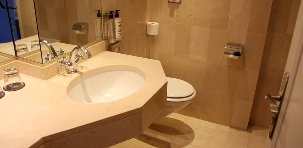 Hotel Le Royal Lyon Junior Suite Bad 3