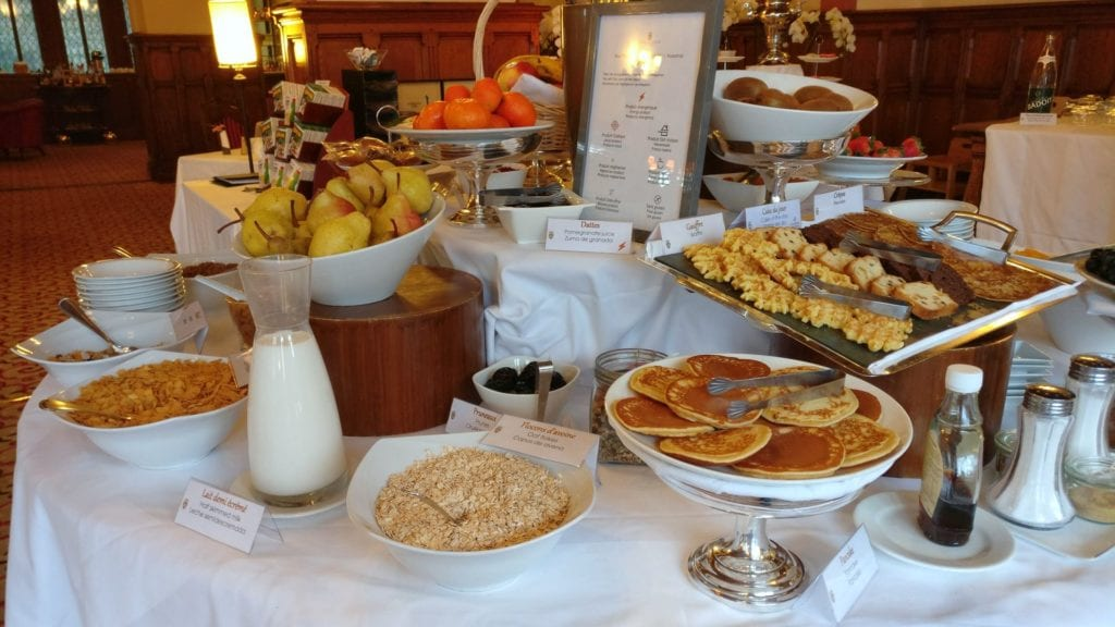 Hotel De La Cite Carcassonne Frühstück 3
