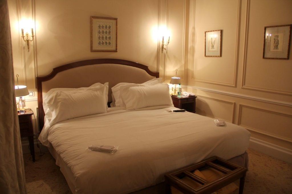 Hotel De La Cite Carcassonne Zimmer