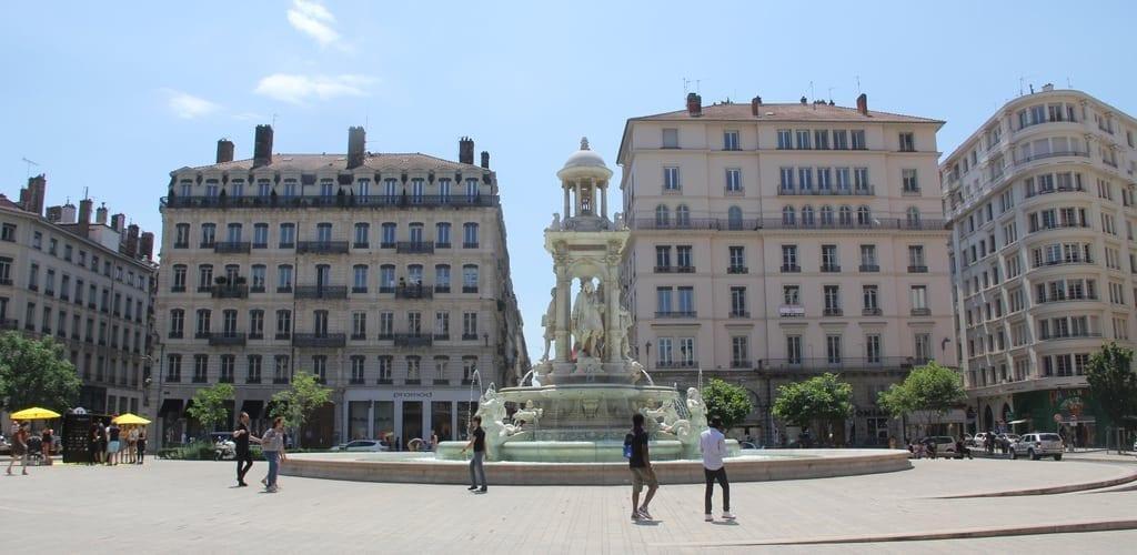 Lyon Place De Jacobines