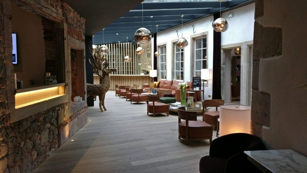 5 Terres Hotel Barr Lobby 3