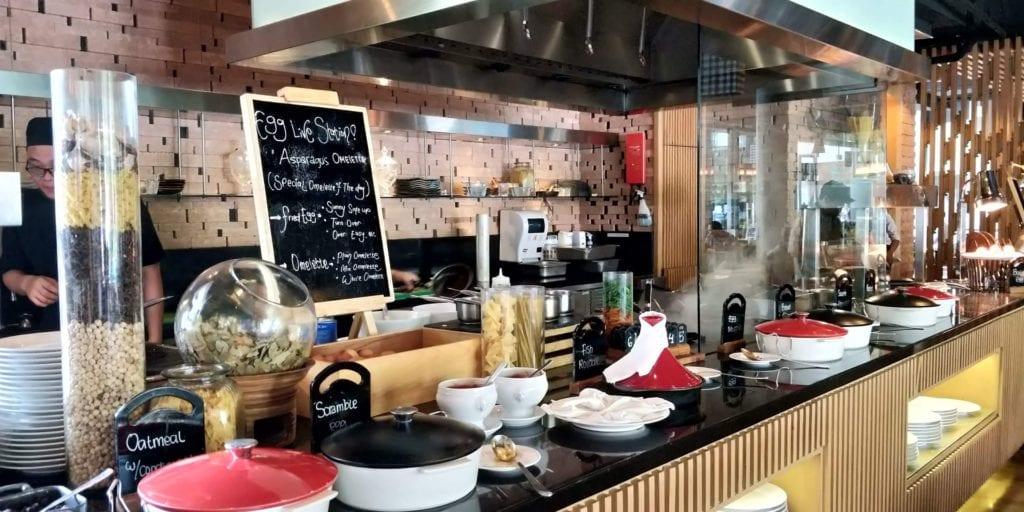 DoubleTree By Hilton Hotel Jakarta Frühstück 2