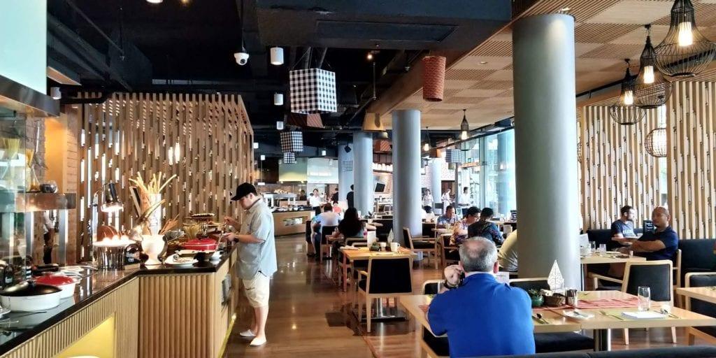 DoubleTree By Hilton Hotel Jakarta Frühstück 3