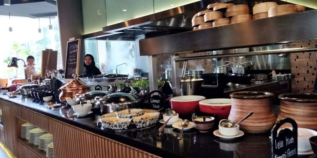 DoubleTree By Hilton Hotel Jakarta Frühstück 7