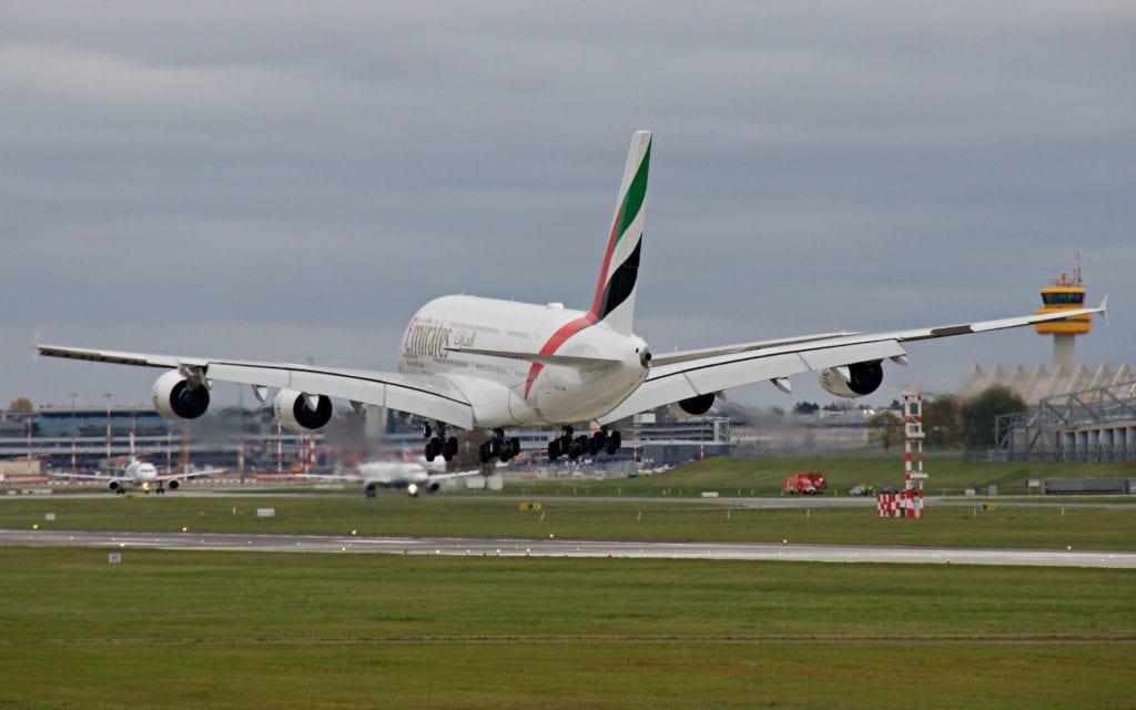 Emirates Airbus A380 Landung