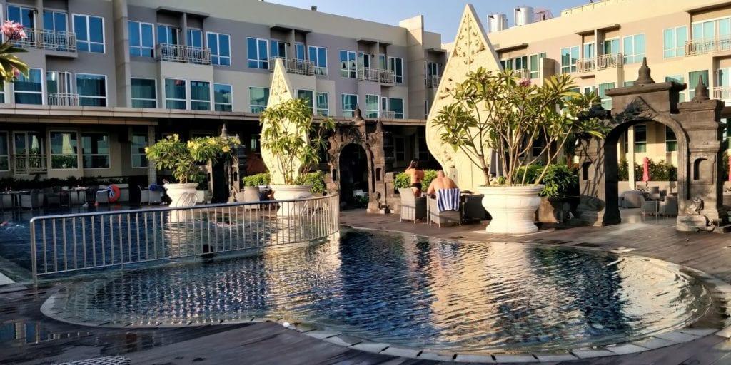 Grand Mercure Yogyakarta Pool