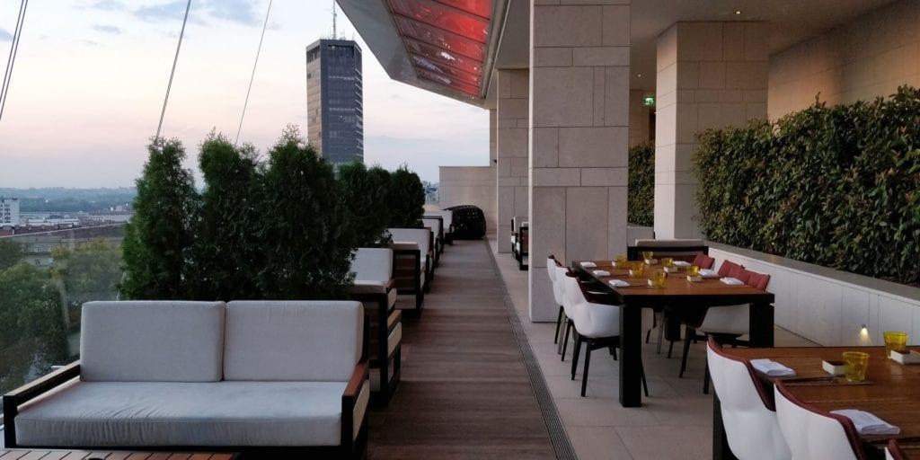 Hilton Belgrad Bar