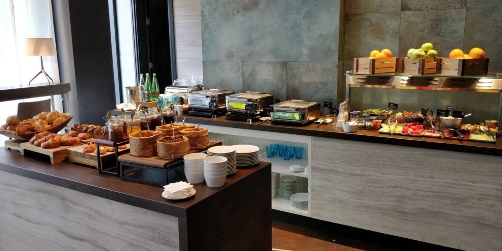 Hilton Belgrad Executive Lounge Frühstück 2