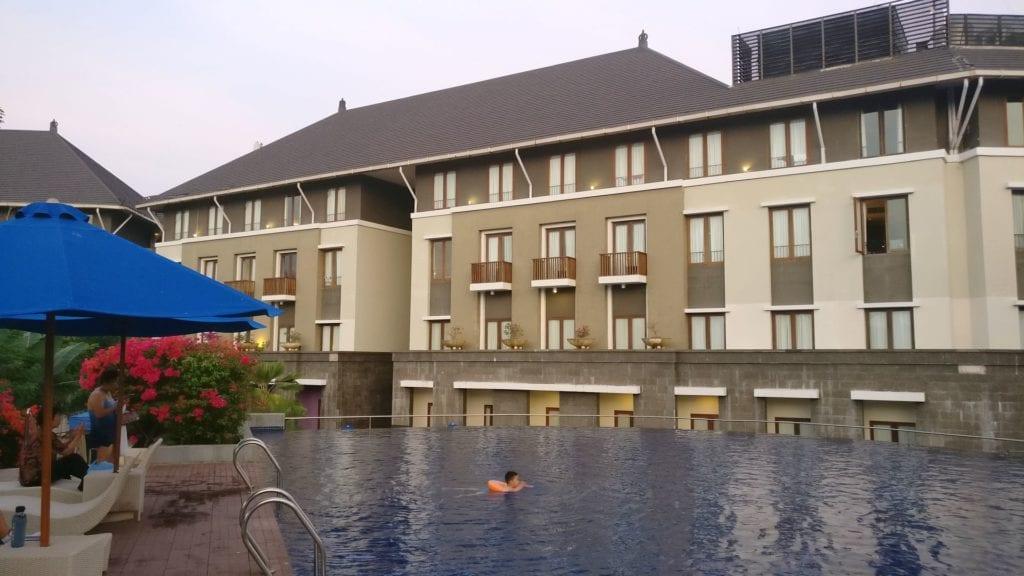 Mercure Bali Nusa Dua Pool 2 3