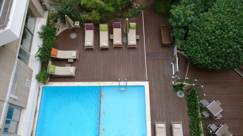 Mercure Cannes Croisette Beach Pool 2