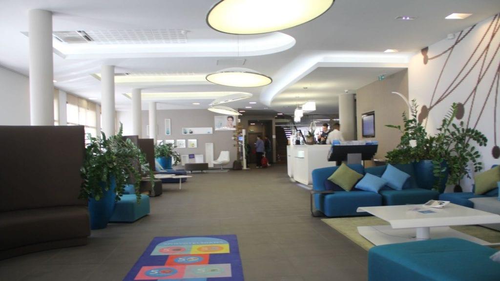 Novotel Avignon Centre Gare Lobby 2
