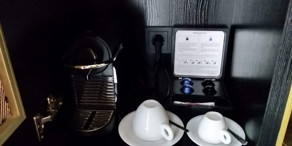 Provocateur Berlin Zimmer Nespresso Maschine