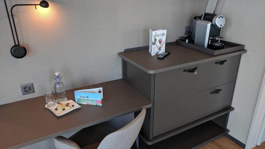 Radisson Blu Luzern Schreibtisch