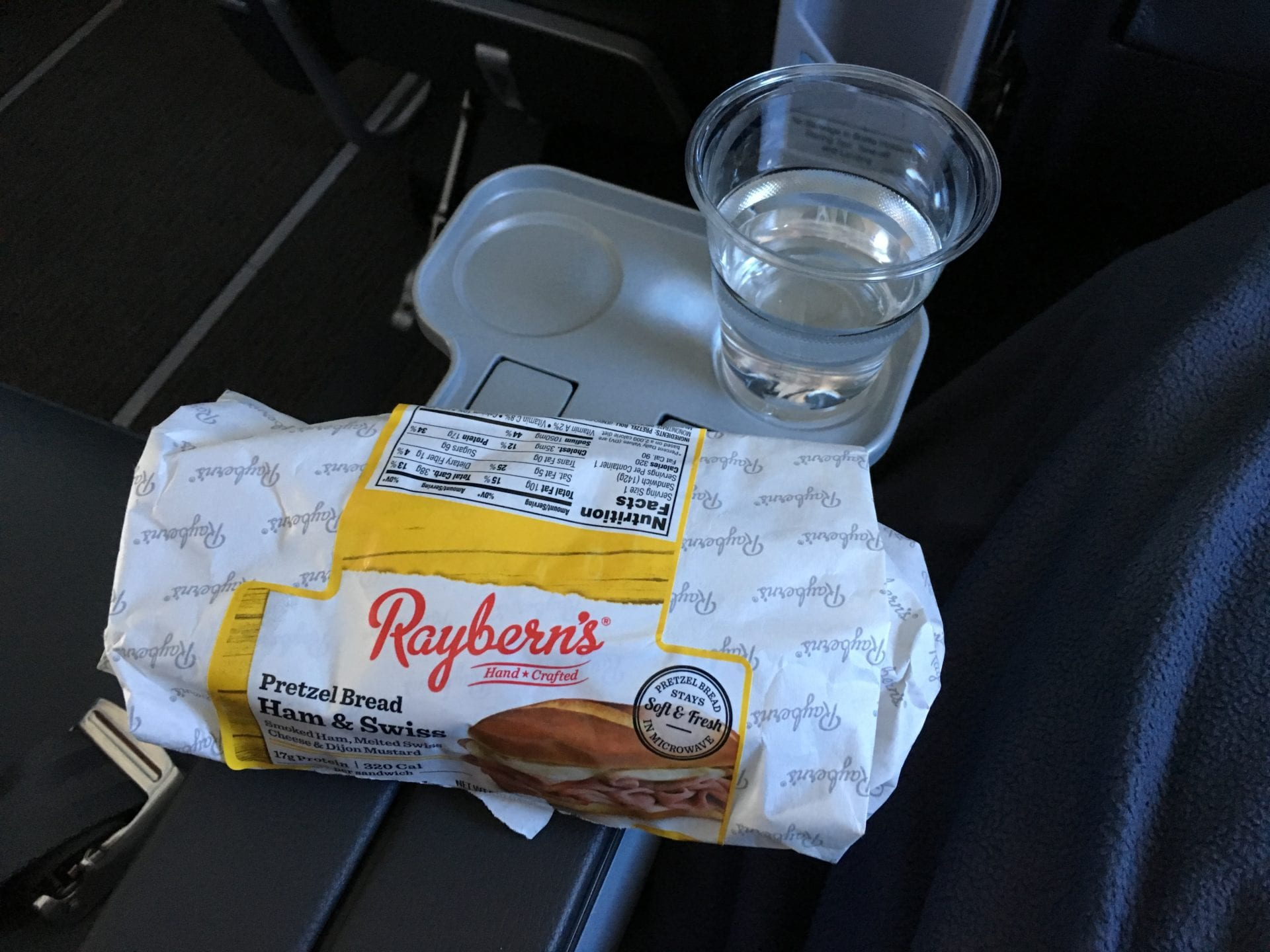 Singapore Airlines Premium Economy Class Ultralangstrecke Snack
