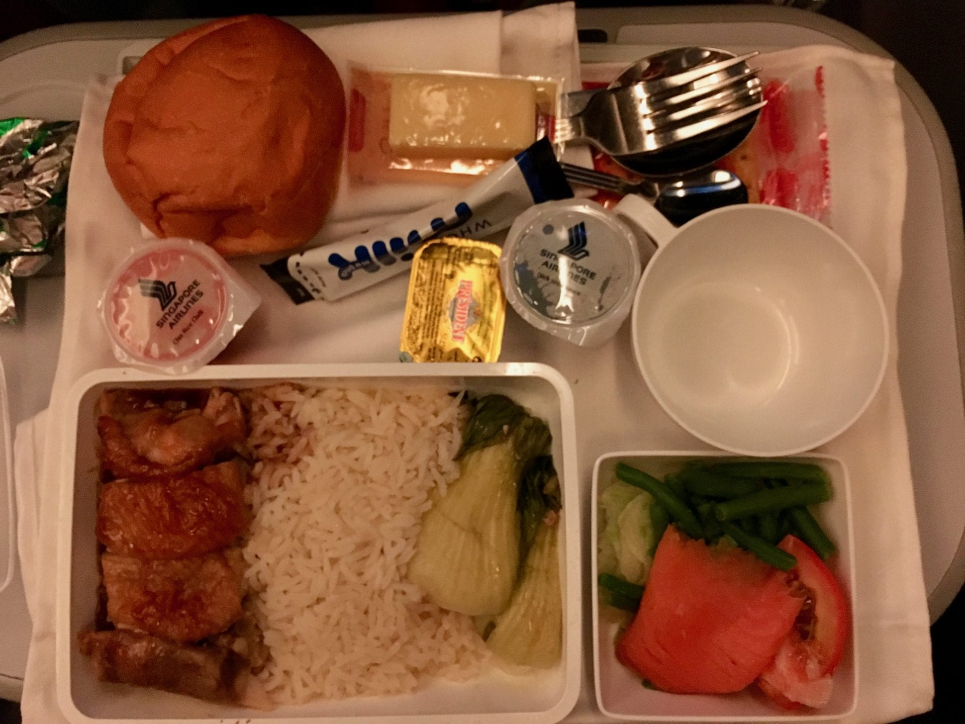 Singapore Airlines Premium Economy Class Ultralangstrecke Steckdosen Mealservice 2