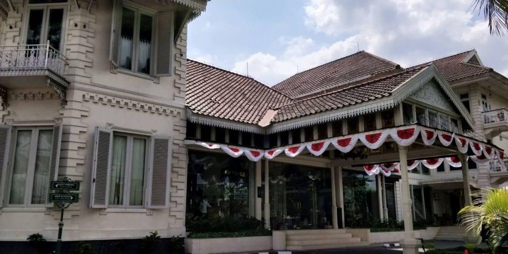 The Phoenix Hotel Yogyakarta Eingang