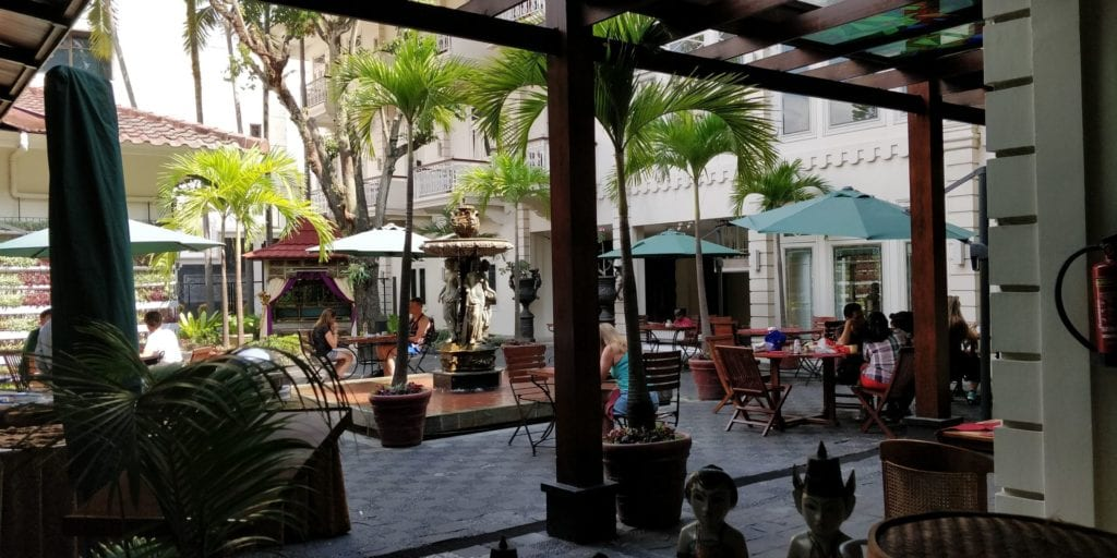The Phoenix Hotel Yogyakarta Innenhof