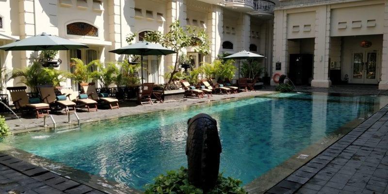 The Phoenix Hotel Yogyakarta Pool 2