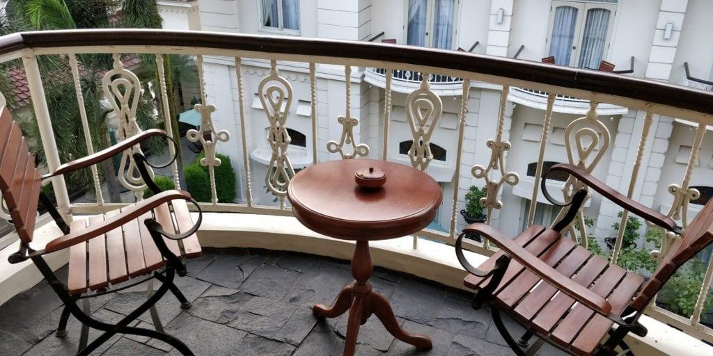 The Phoenix Hotel Yogyakarta Zimmer Balkon 1