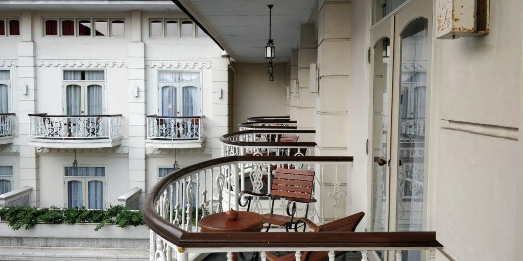 The Phoenix Hotel Yogyakarta Zimmer Balkon 2