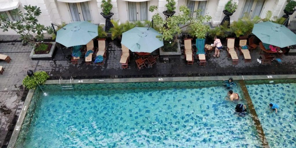 The Phoenix Hotel Yogyakarta Zimmer Balkon 3